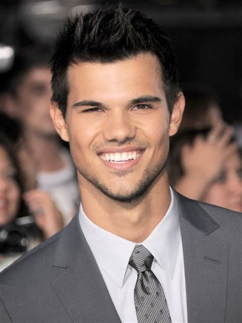 Twilight's Taylor Lautner Set To Star In BBC Three Comedy