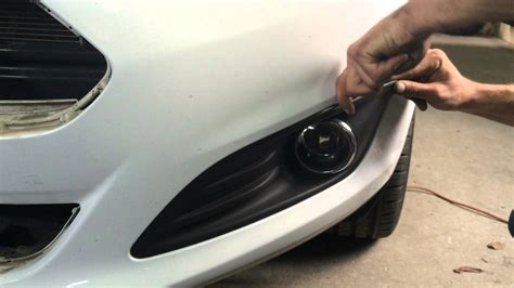 Ford Fiesta Mk7 lift - Fog lamp cover removing / Форд