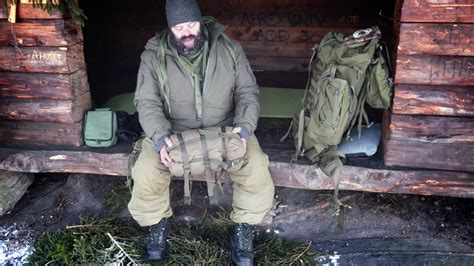 Review: Carinthia Defence 4 Sleeping Bag - YouTube