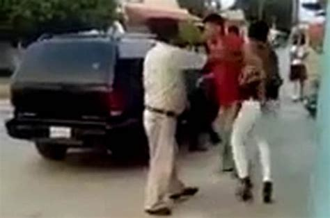 Video: Woman in heels beats up robber in Mexico   Daily Star