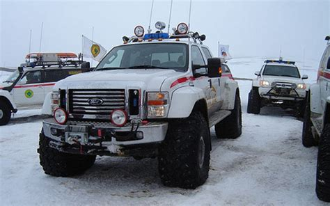 Photo of the Week: Iceland Rescue F-350 - Ford-Trucks