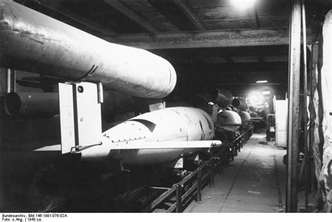 The World's first guided missiles : V1 and V2