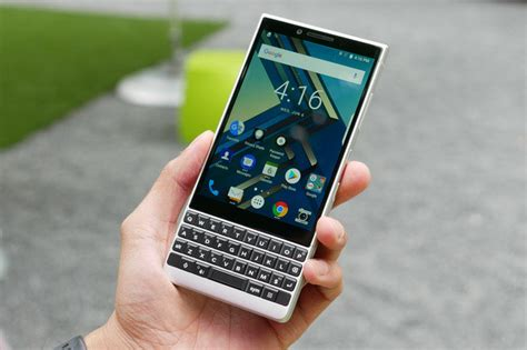 BlackBerry KEY2 unveiled, features dual-camera and a