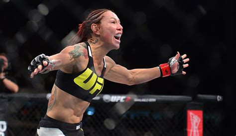 'Cyborg' Justino calls for UFC women's featherweight class