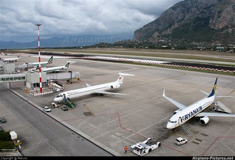Airport Overview - Airport Overview - Apron at Palermo