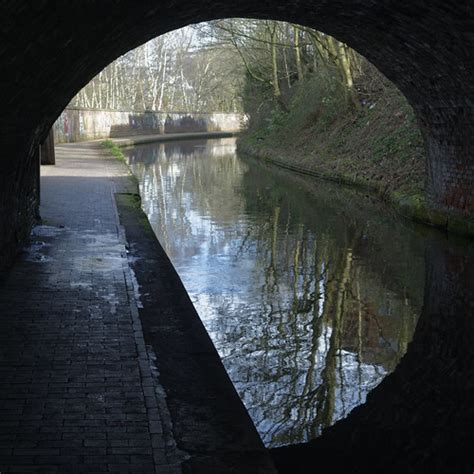 Tunnel vision   The Worcester and Birmingham Canal near